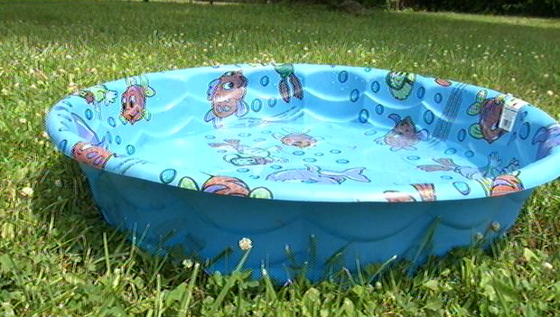 Man Prefers Kiddie Pool Over Beach Usedwigs